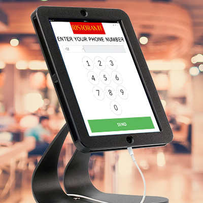 Coupontools mobiele marketing kiosk met sms opt-in voor telefoonnummers.
